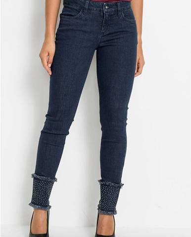 Udržateľné skinny džínsy z recyklovaného polyesteru