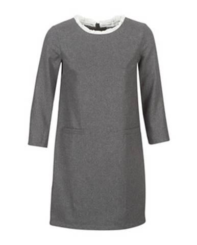 Krátke šaty Betty London  LABAMA
