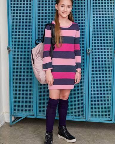 Pletené šaty so širokými pásmi