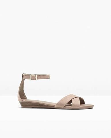Klinové sandále