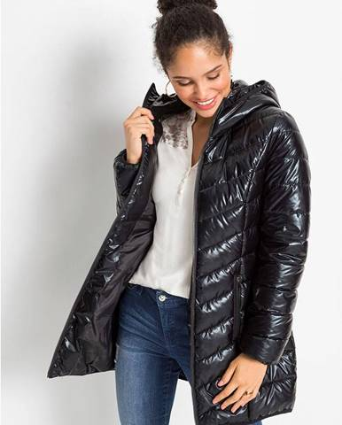Prešívaný kabát v metalickom vzhľade