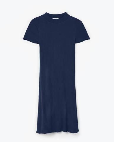 Rebrované šaty s vysokým golierom