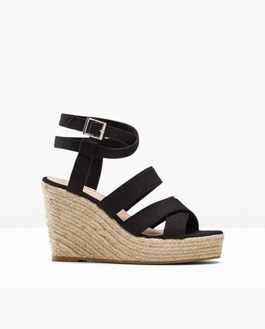 Klínové sandále