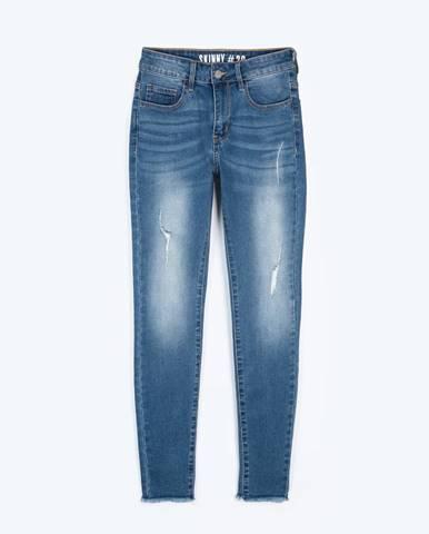 Džínsy skinny s neporacovaným spodným lemom