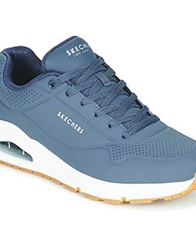 Nízke tenisky Skechers  UNO STAND ON AIR